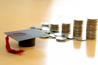 View Comparing Federal and Private Student Loans